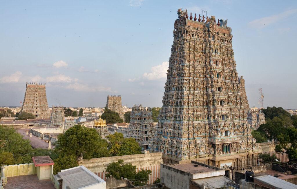 Despre temple și refugii